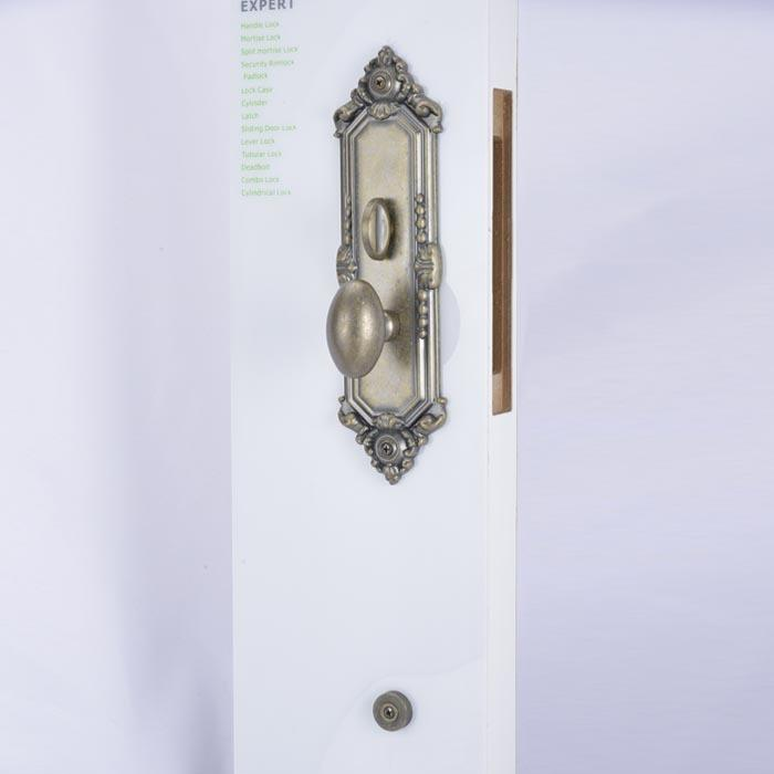 Grip handle door locks for main door